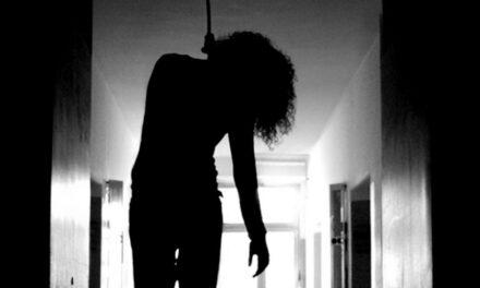 Mujer de 17 se suicidó colgándose de una ventana