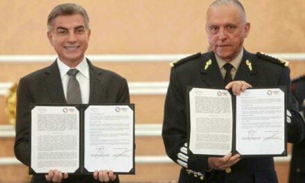 Salvador Cienfuegos y Tony Gali firmaron un convenio de colaboración