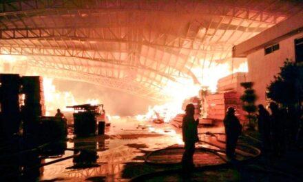 Se registró un incendio en la empresa TabliTodo en Cuautlancingo