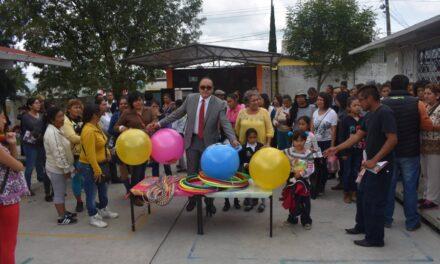 Víctor Hugo se reunió con  maestras de preescolar