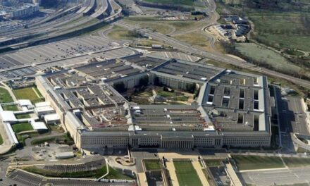 El Pentagona retuiteó publicación sobre renuncia de Trump