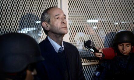 Expresidente de Guatemala es arrestado por supuesta corrupción