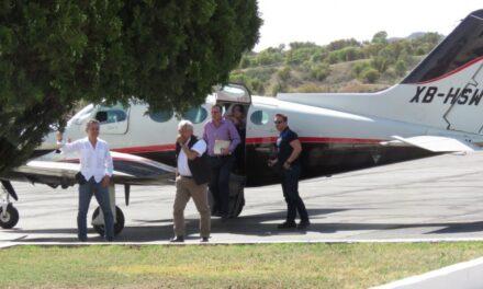 AMLO usa avioneta privada en gira