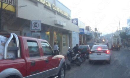Tres mujeres roban productos de la Farmacia Guadalajara