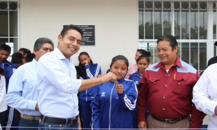 Edwin Mora entregó  obras en Huaquechula