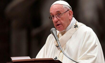 Papa Francisco se reunirá con víctimas de abuso sexual en Irlanda