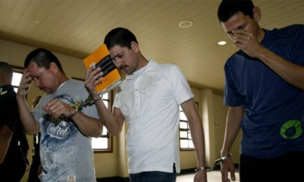 Malasia perdona a tres mexicanos condenados a pena de muerte