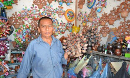Acatlán produce barro y los artesanos  hacen maravillas con este recurso
