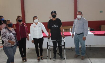DIF municipal de Tepeojuma donó aparatos ortopédicos