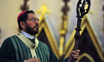 Mujeres no son dueñas de sus bebés, afirma Arzobispo contra el aborto