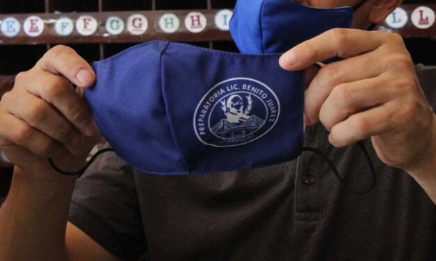 Uniformes escolares incluirán cubrebocas para alumnos