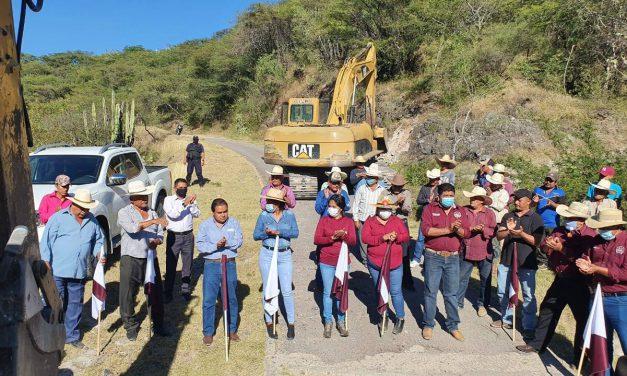 Ciro Gavilán inició construcción de carretera en Rancho Nuevo
