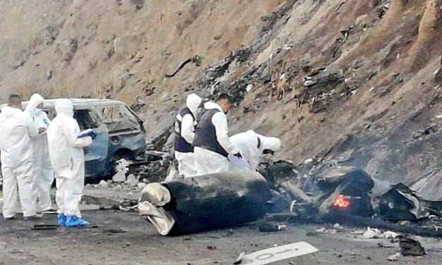 Suman 13 muertos en explosión de pipa en la autopista Tepic-Guadalajara