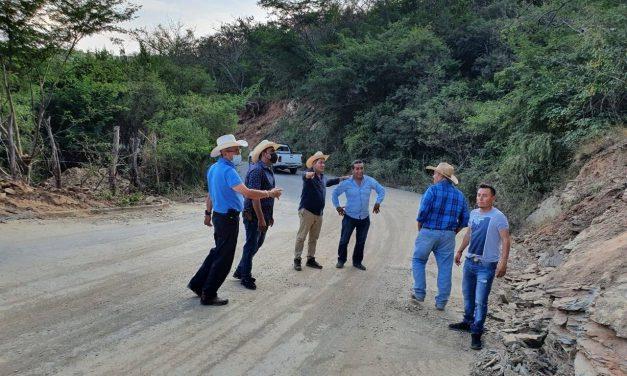 Culminan trabajos de limpieza tras deslaves en la Axutla-Tehuitzingo