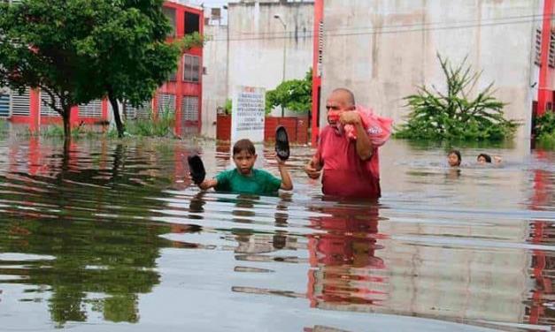 Más de 80 mil damnificados por inundaciones en Chiapas y Tabasco