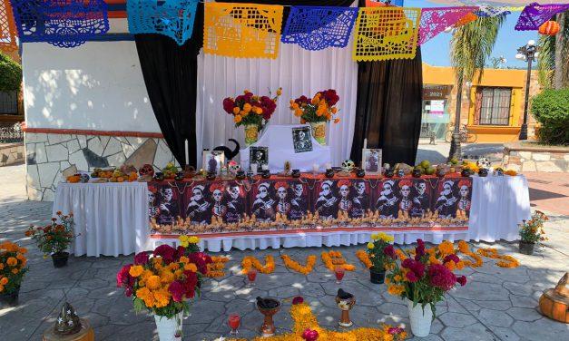 Colocaron ofrenda a policías fallecidos de Huehuetlán