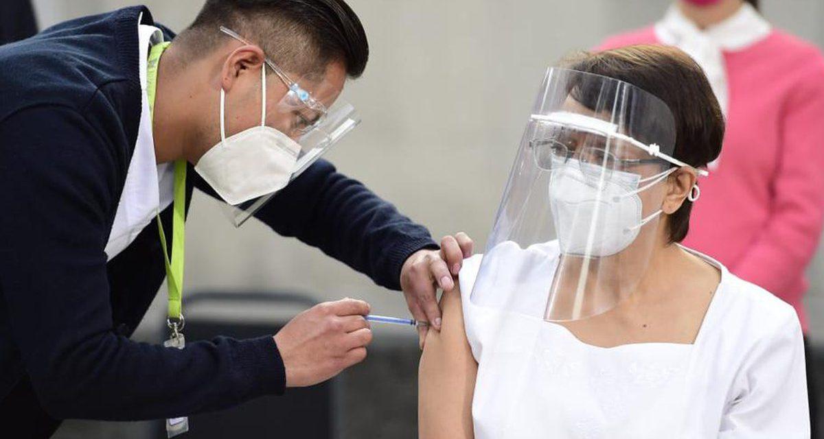 Inicia aplicación de vacunas vs Covid-19 en México