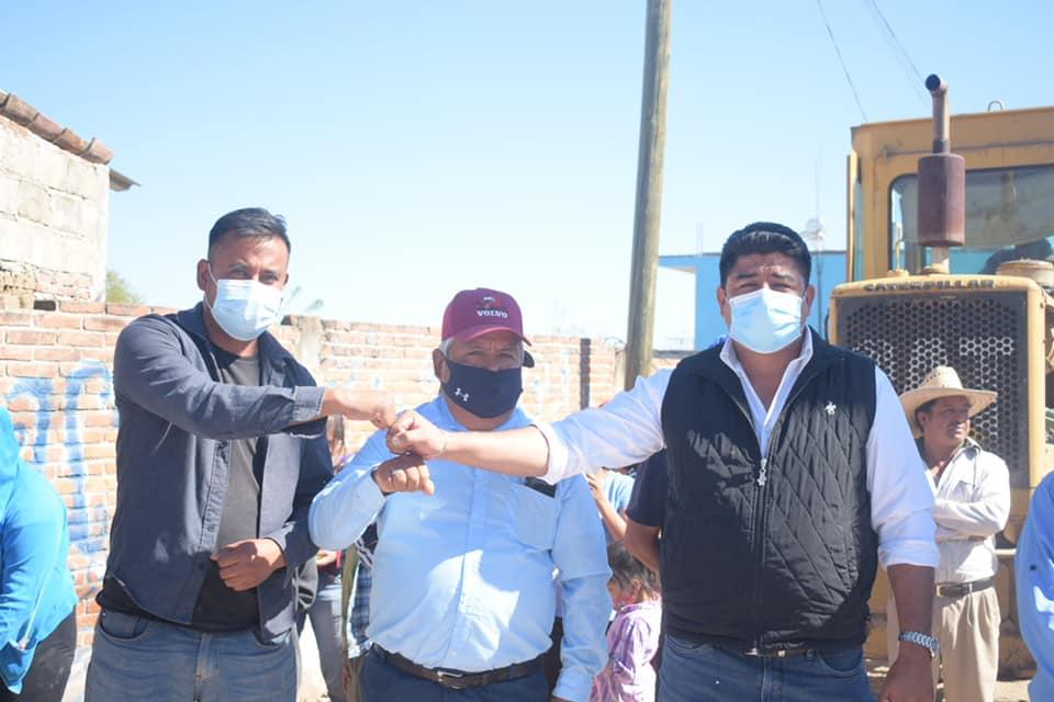 Ciro Gavilán dio banderazo de inicio de adoquinamiento en La Soledad Morelos