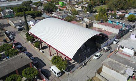 Inaugura Ayuntamiento de Izúcar techado de plaza cívica de la Presidencia Auxiliar de Matzaco